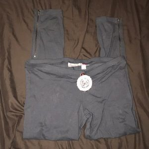 NWT Junior's Zipper Ankle Leggings